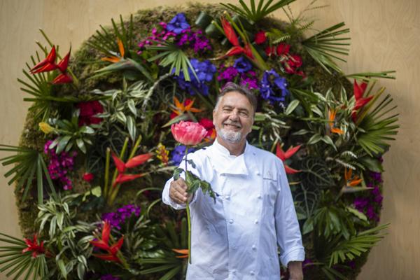 Raymond Blanc's renowned secret garden restaurant - Jardin Blanc