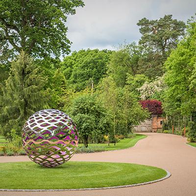A Surrey garden design: David Harber Graduate Landscapes