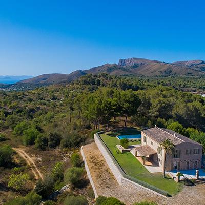 Carrossa luxury private villas benefitting from 5-Star hotel facilities